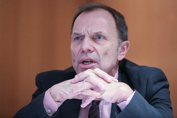Die Städtebahn muss ihren Vertrag erfüllen, so Staatssekretär Hartmut Mangold (62, SPD).
