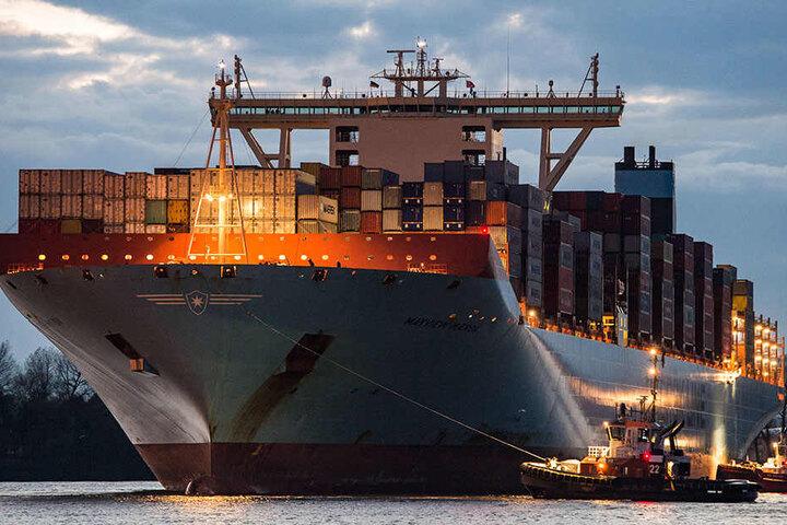 Dr. Oetker hat die Reederei Hamburg an das dänische Unternehmen Maersk verkauft.