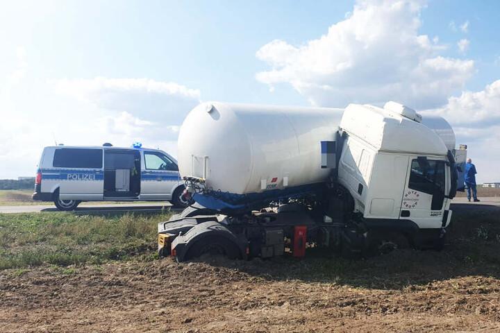 Die B186 musste wegen des Unfalls voll gesperrt werden.