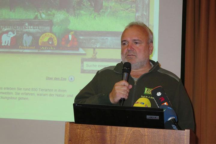 Zoo-Direktor Prof. Jörg Junhold während der Pressekonferenz in Leipzig.