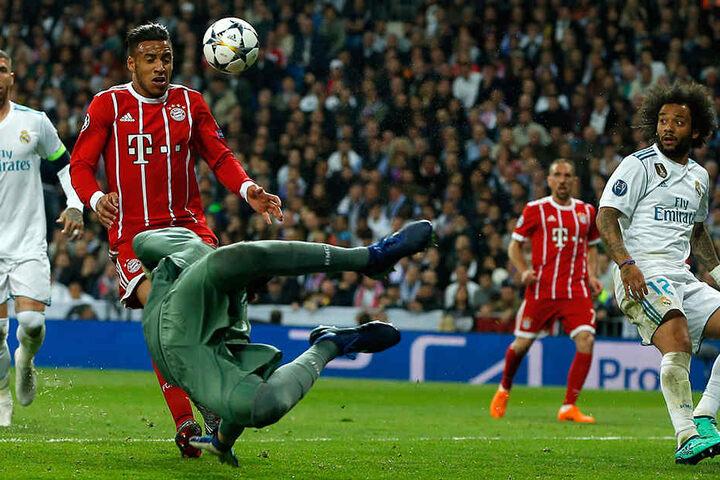 Selbst Super-Stars wie Marcelo und Ribery (v.r.) waren von der Intensität der Aktionen und der Wucht des Spiels erstaunt.
