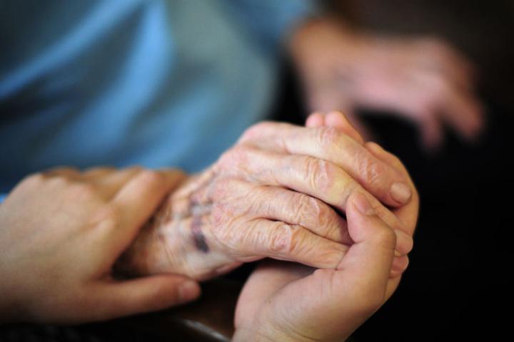 Die Pflege in Heimen ist besonders aufwendig.
