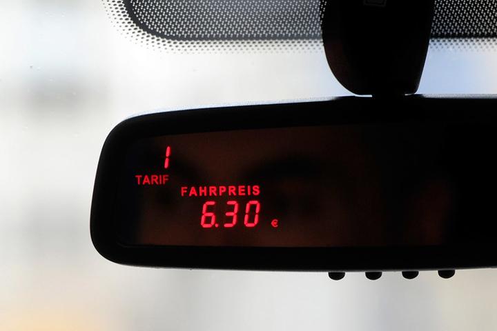 Beruhigend - es wurden nur drei Verstöße wegen zu spät geeichter Taximeter ermittelt.