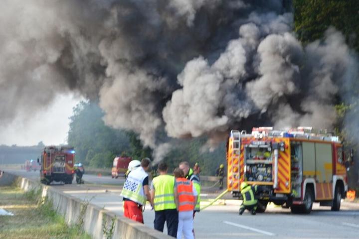 Warum der Lkw Feuer fing, ist bislang noch unklar.