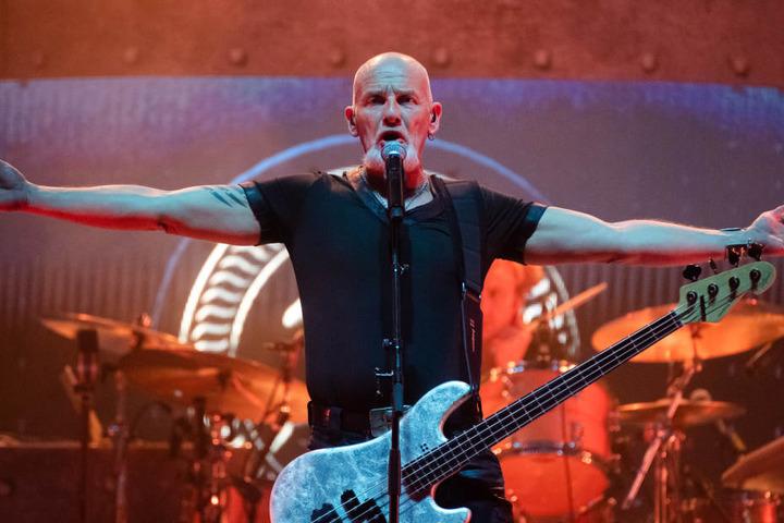 Sänger, Gitarrist und Bassist Björn Both (53).