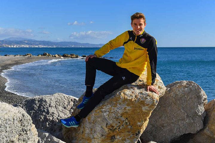 Entspannt am Meer in Marbella. Niklas Hauptmann ist guter Dinge, nach der Winterpause wieder zu seiner Topform zurückzufinden.