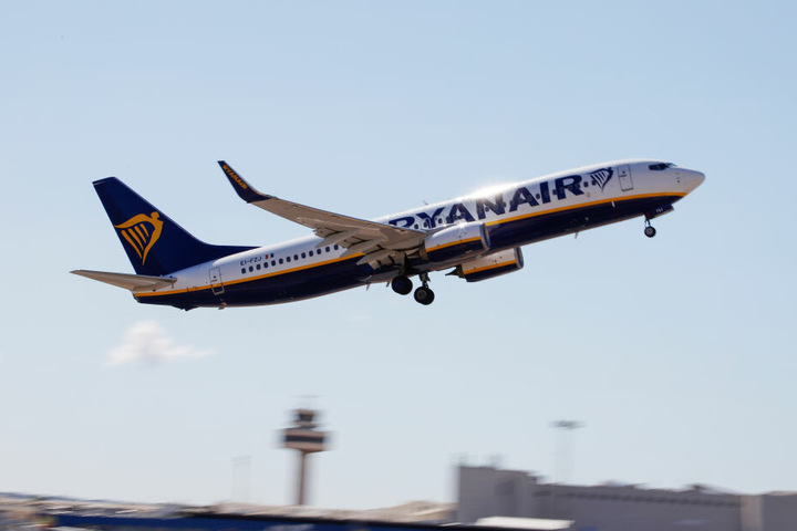 Bei Ryanair waren es etwa 152,4 Millionen beförderte Passagiere. (Symbolbild)