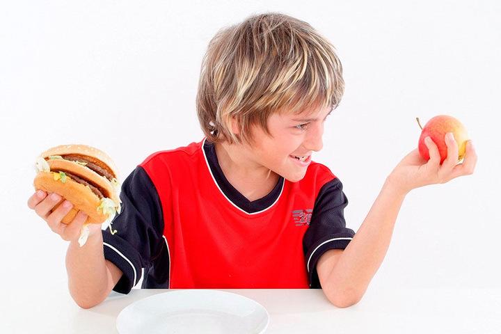 Obst oder Burger: Rund 3 500 Chemnitzer Kinder profitieren vom EU-Programm für gesunde Ernährung.