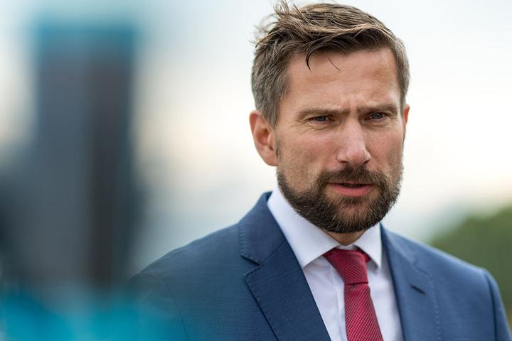 Er forciert die Neubaustrecke: Verkehrsminister Martin Dulig (43, SPD).
