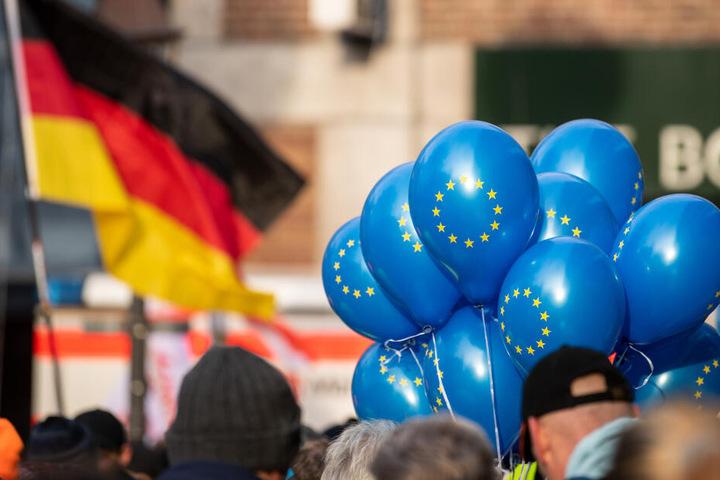 Europa-Demonstranten in Aachen.
