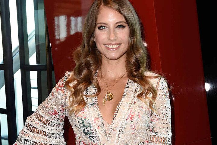 Moderiert wird die Gala von Cathy Hummels (30), der Ehefrau von Fußball-Nationalspieler Mats Hummels (29).
