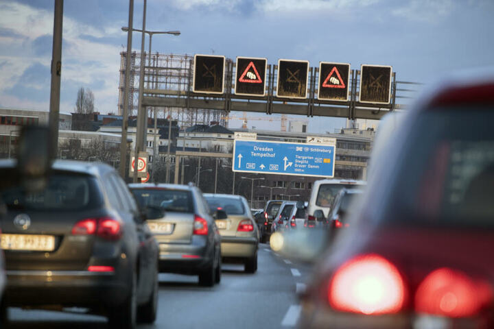 Stau auf der Stadtautobahn Berlin. (Symbolbild)