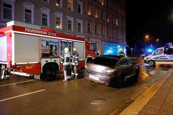 Die Polizei fahndet nach dem Flüchtigen Unfallfahrer.