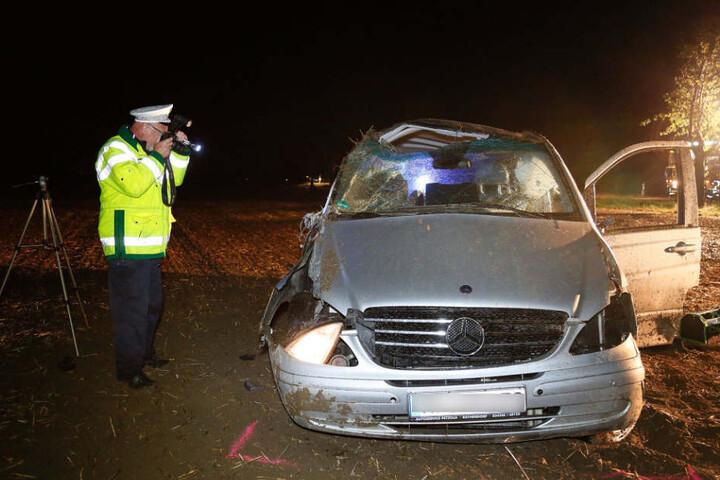 Der Fahrer wurde aus seinem Mercedes geschleudert und dabei tödlich verletzt.
