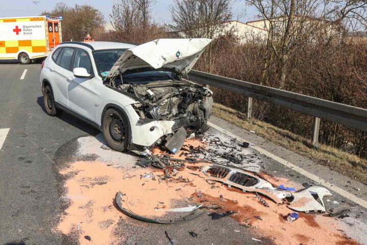 Ein Fall für den Schrottplatz: Der BMW war nach dem Unfall nicht mehr fahrbereit.