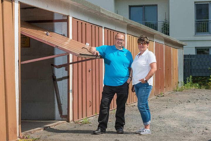 Frank und Jeannette Dobner kämpften um ihre Garage - und erreichten am Ende stadtweite Verbesserungen.
