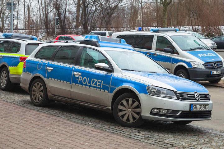 Die Polizei suchte die Strandbereiche des Kulkwitzer Sees ab.