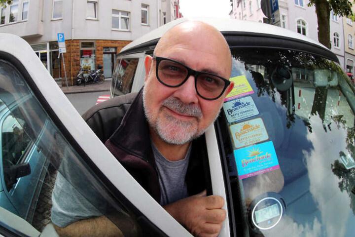 Mit seiner digitalen Parkscheibe fährt Hans Klüche gut!