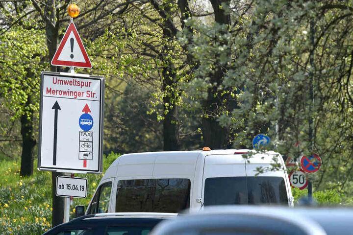 Die Stadt Düsseldorf hat auf zwei Straßen Umweltspuren eingerichtet.