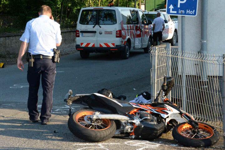 Der Bulli-Fahrer nahm dem 24-Jährigen die Vorfahrt.