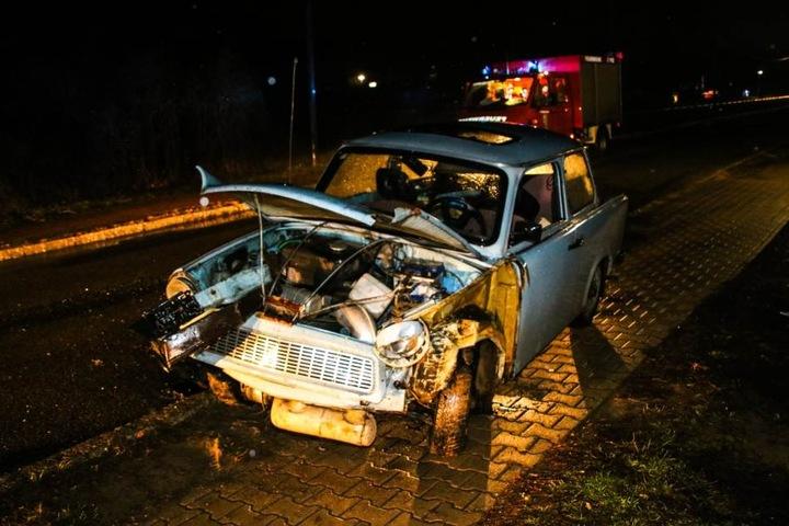 Bei dem Unfall sollen zwei Menschen schwer verletzt worden sein.