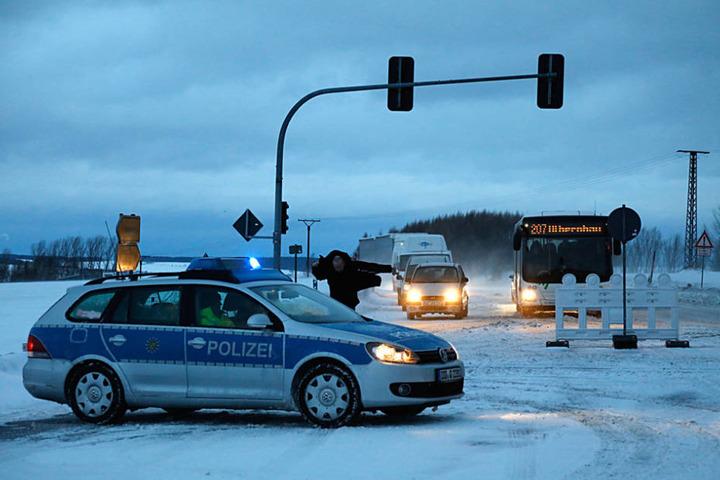 Die B174 ist bei Hohndorf komplett gesperrt.