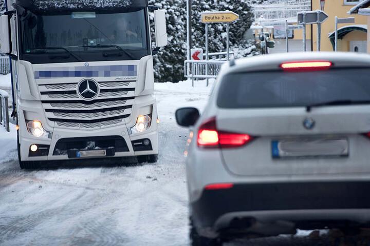 In der Ortschaft Raum bei Stollberg blieb ein LKW liegen und sorgte für Behinderungen.