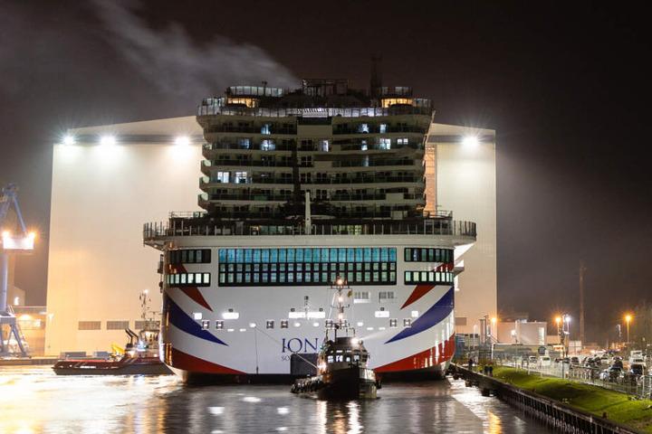 Es ist das bislang größte Kreuzfahrtschiff der Meyer-Werft.