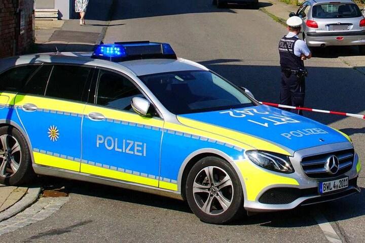 Die Polizei sperrte die Straße ab.