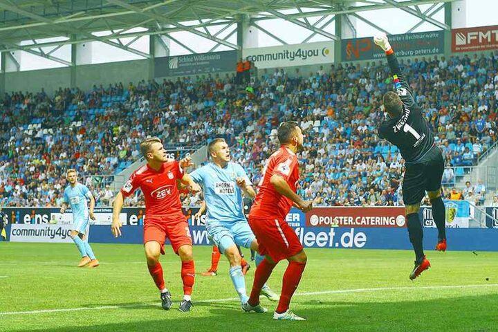 Auf die Abwehr um Klasse-Keeper Johannis Brinkies (hier beim 0:1 in Chemnitz) kommt es für den FSV gegen Meppen besonders an.