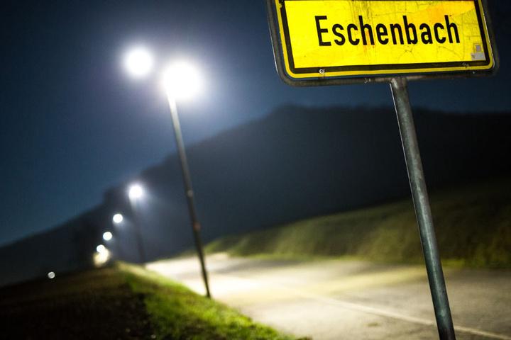 In der 2200-Einwohner-Gemeinde Eschenbach erkranken auffällig viele Kinder an Krebs.