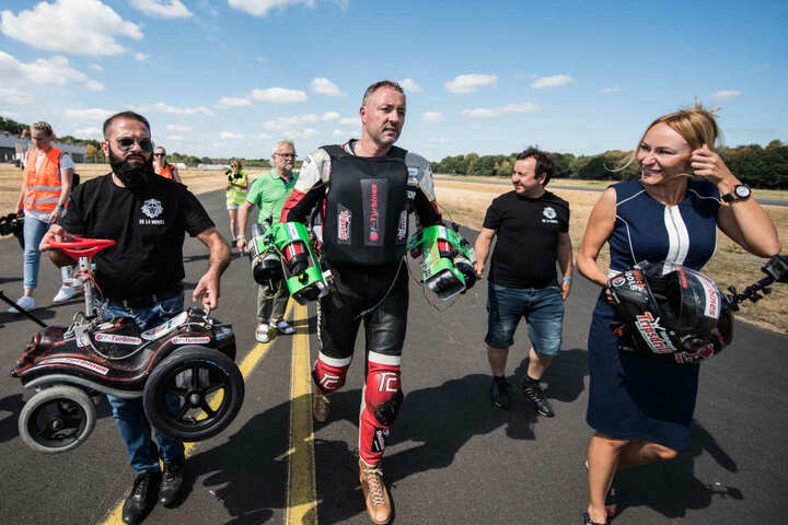 Dirk Auer (M) hat es geschafft. Er knackte den Weltrekord.
