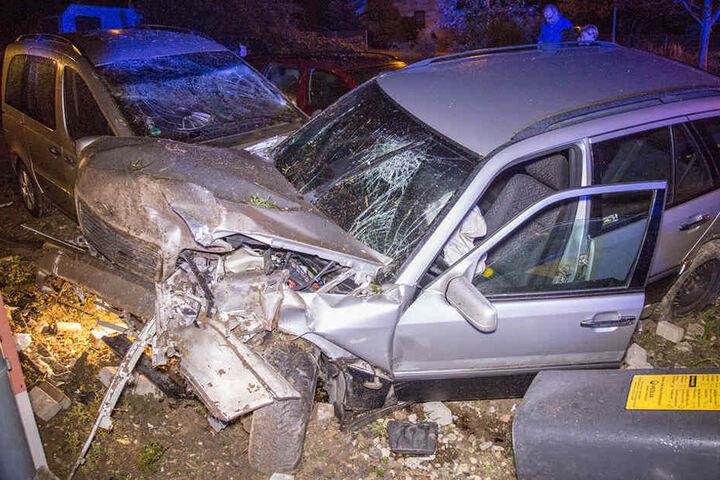 Zuvor war der womöglich betrunkene Fahrer vor der Polizei geflüchtet.