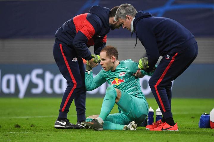 Auf die Hilfe von peter Gulacsi kann er dabei leider nicht setzen. Der Keeper zog sich am Mittwoch gegen Benfica Lissabon eine Schädelprellung zu.
