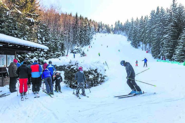 Klein, aber fein: Der Skihang in Einsiedel ist 200 Meter lang.
