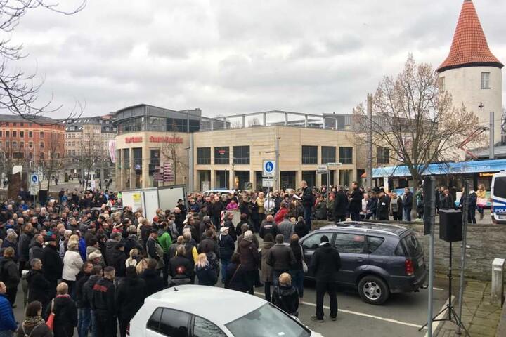 Am Wendedenkmal in Plauen fand am Samstag eine Versammlung statt.