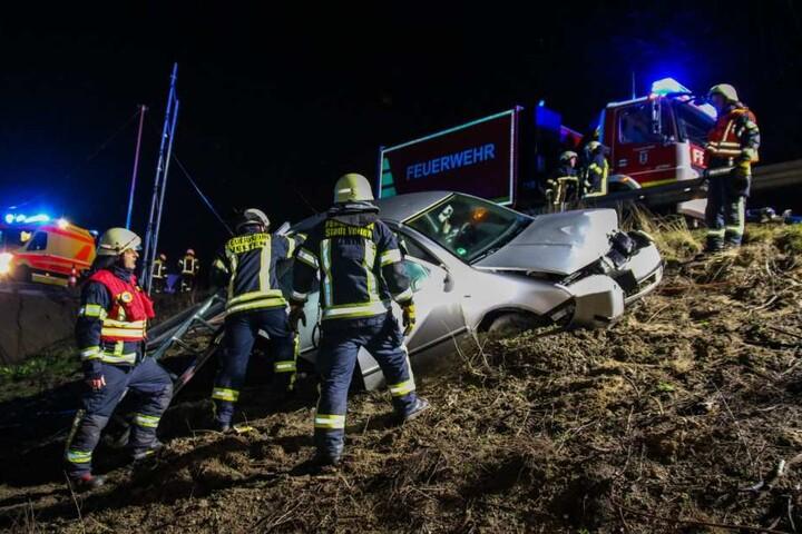 Die Feuerwehrleute mussten die 29-Jährige befreien.