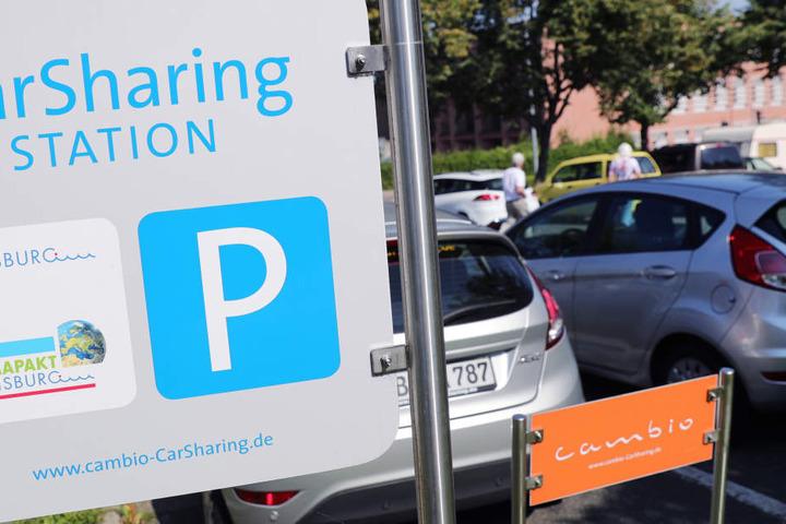 Die NRW-Regierung möchte mehr Parkplatzmöglichkeiten für Carsharing ausweisen (Symbolbild).
