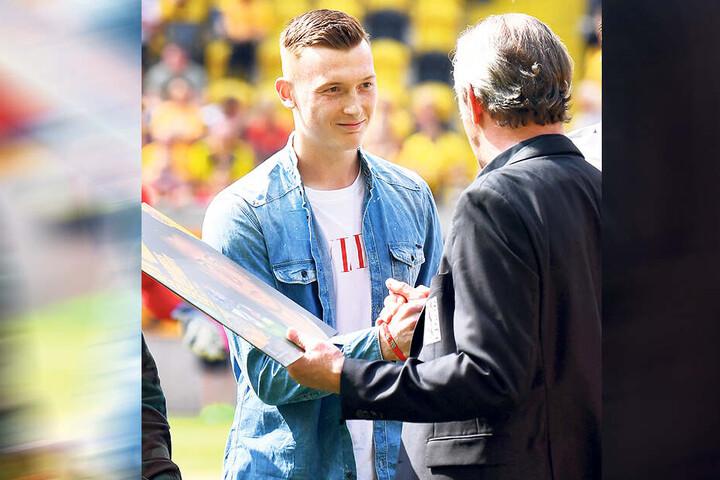 Der Abschied aus Dresden war für Markus Schubert nicht leicht - auch Sportdirektor Ralf Minge zeigte sich enttäuscht.