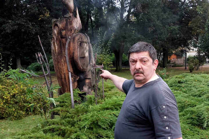 HausmeisterKlaus-Peter Häßler (60) ist entsetzt über den Brandanschlag.