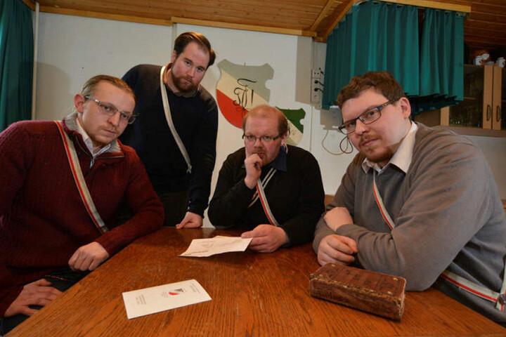 Das Studentenwerk hatte den Teutonen Micha Hergert (29,v.l.), Philipp Frank (24), Kay Nagel (30) und Erik Michael (27) die Räume gekündigt.