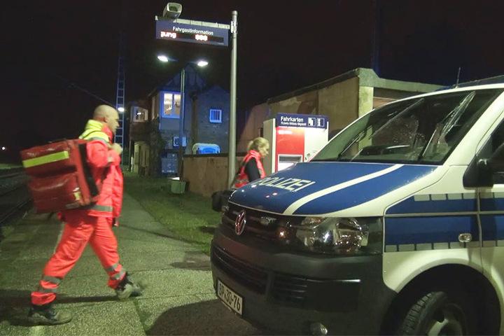 Gegen 21.45 Uhr waren Polizei und Feuerwehr zur Theklaer Brücke gerufen worden.
