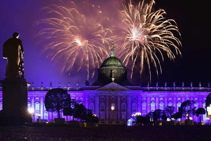 Nach den Aufführungen wird, wie in jedem Jahr, ein imposantes Feuerwerk im Park Sanssouci stattfinden. (Symbolbild)