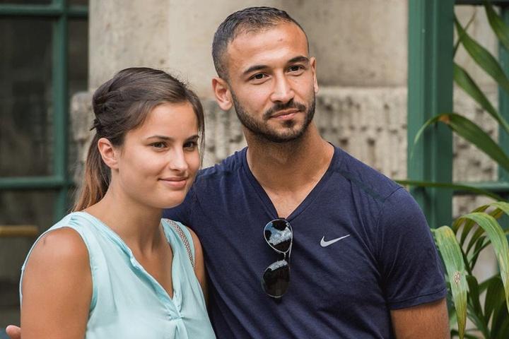 Ein schönes Paar: Akaki Gogia (l.) mit seiner Freundin Andrea beim Mannschaftsausflug.