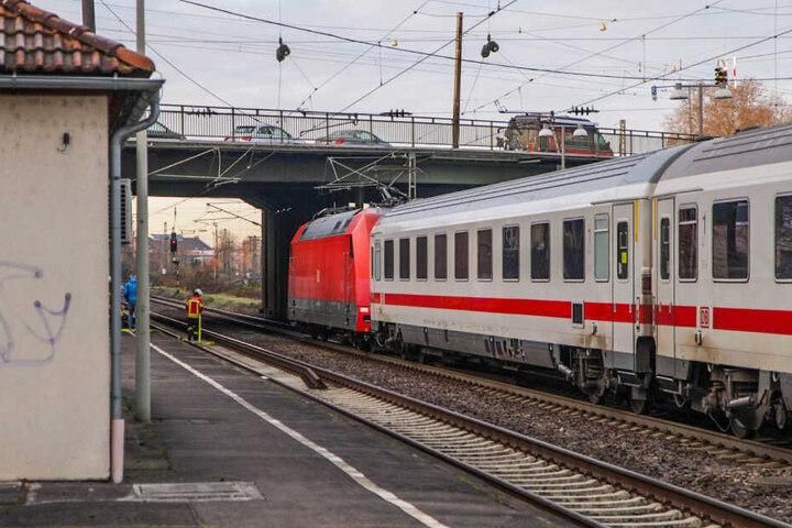 Der Bahnsteig am Bahnhof Karlsruhe-Durlach.