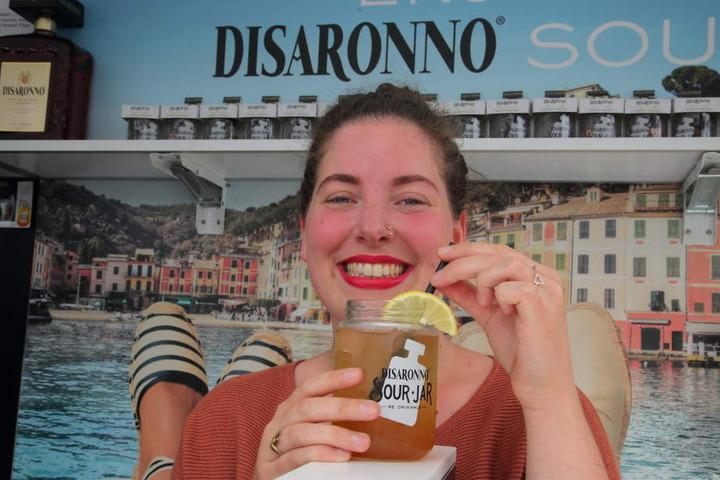 Alexa Büchler (29) mit einem Disaronno Sour Ginger,