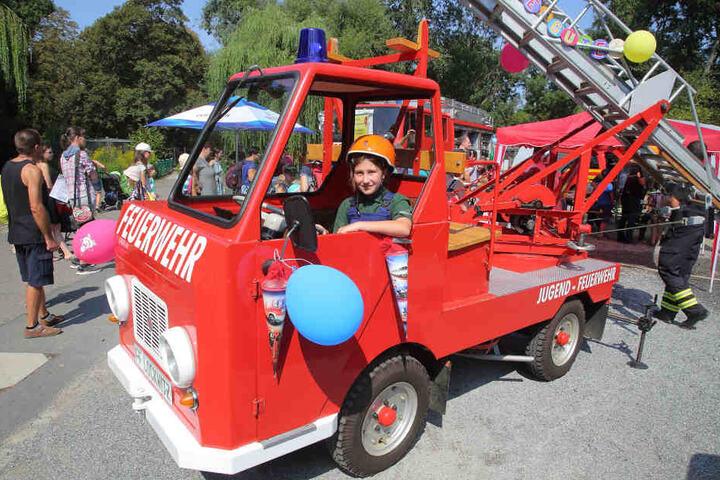 Es gab viel zu schauen: Die Feuerwehr war wieder eines der Highlights bei den Kids.