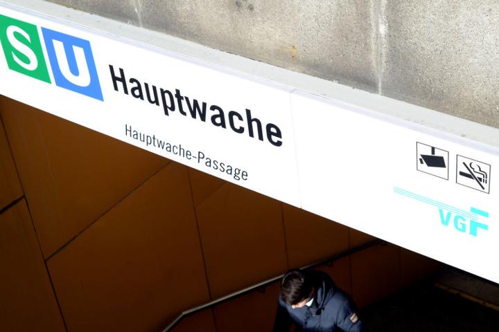 Besonders an den Wochenenden wird die S-Bahn-Station von feierwütigen Betrunkenen anvisiert.