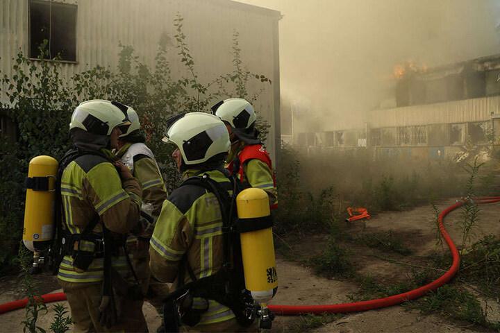 Durch das Feuer kam es zu einer massiven Rauchentwicklung.