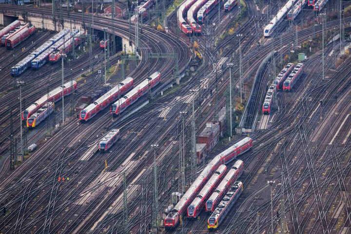 Der Zug stand auf einer Abstellanlage des Frankfurter Hauptbahnhofs. (Symbolbild)